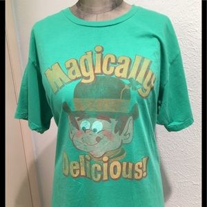 🦋New Listing🦋Vintage Style Lucky Charms Tee